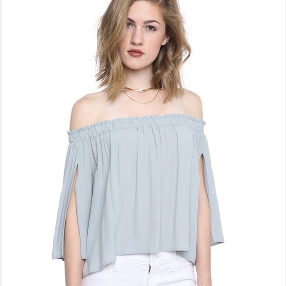 0c004c9a367  ASTR  the label Off the shoulder Top Annabelle
